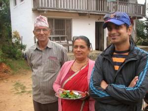 Basanta avec sa maman et son papa