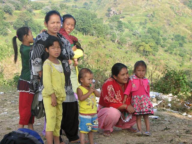 Femmes et enfants Huksekot